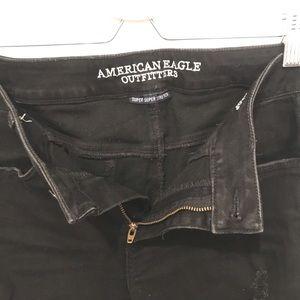 American Eagle Black Distressed Jegging Crop